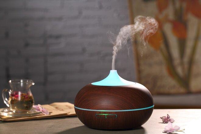 300 ml Difúzer Easy Home - Tmavý + Éterický olejček