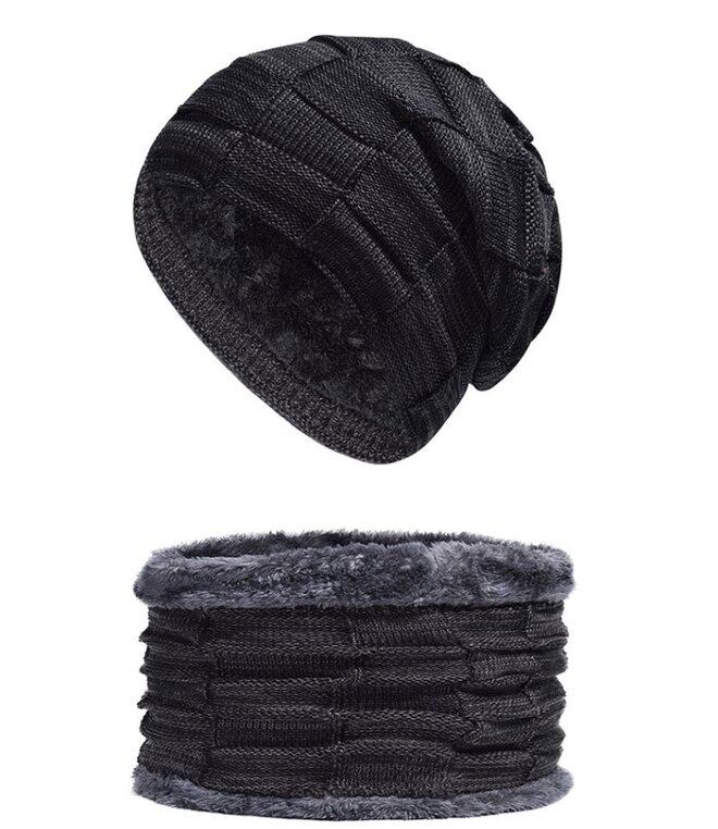 Set nákrčníka a čiapky
