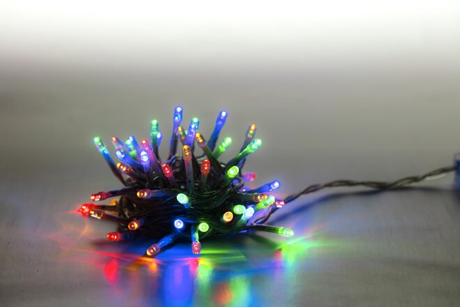 Svetelná reťaz 100 LED (farebná + transparent so svetelnými efektmi)