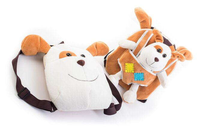 Detský obojstranný batoh s plyšovým psíkom