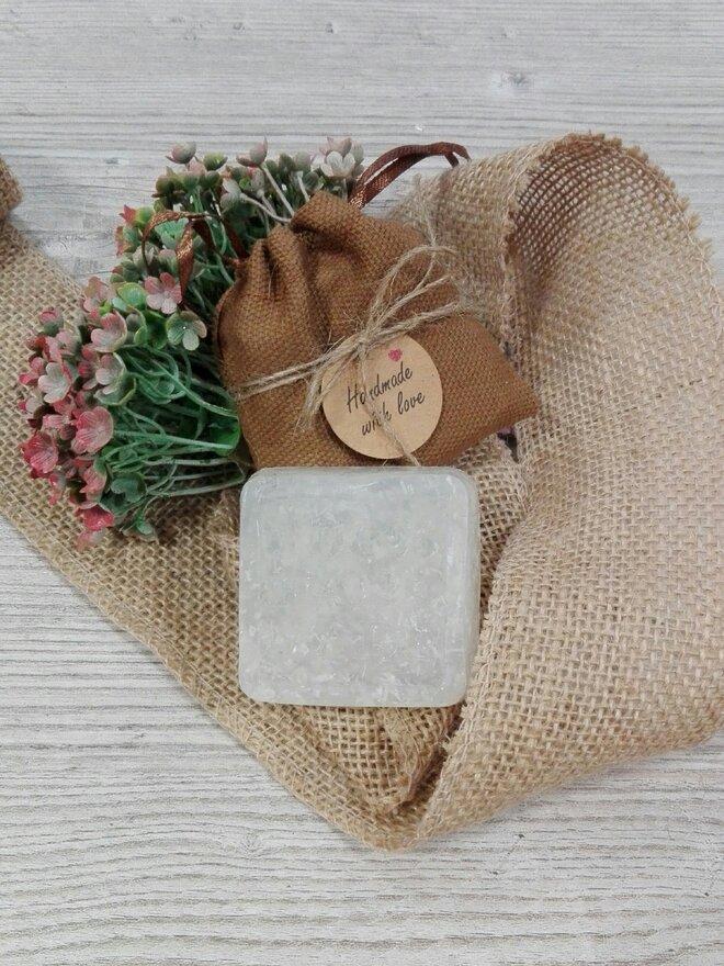50 g Ručne vyrábané mydlo (kokos)