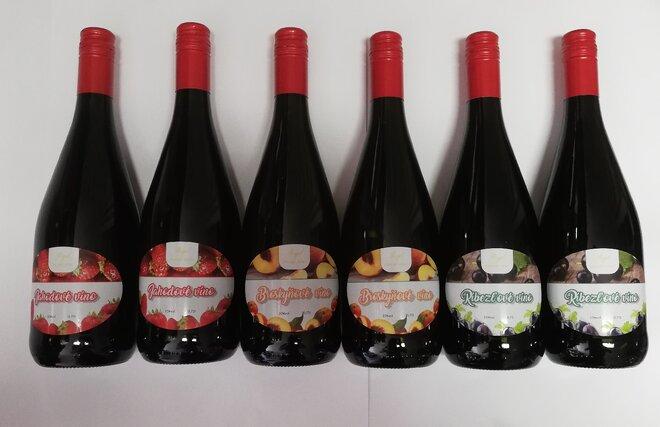 6 x 0,75 l Kartón ovocných vín mix ( broskyňa, jahoda, ríbezľa )