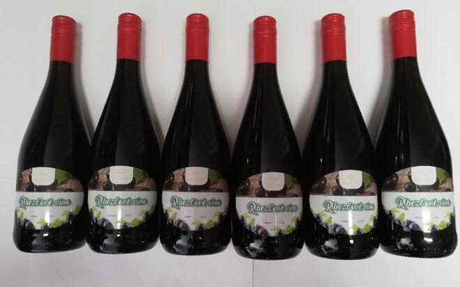 6 x 0,75 l Kartón ovocných vín ( čierna ríbezľa)