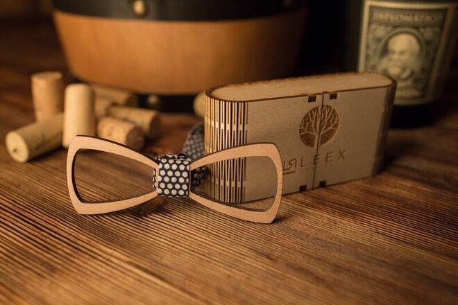 Pánsky drevený motýlik M6