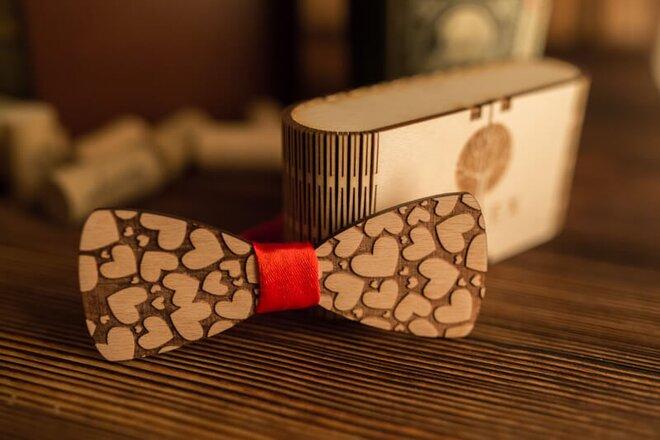 Pánsky drevený motýlik M1