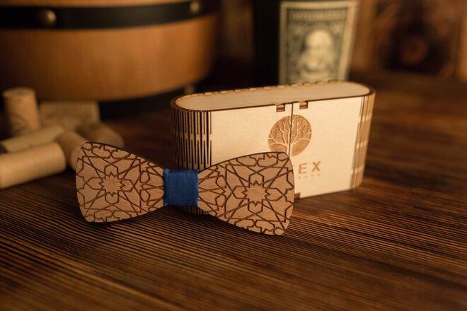 Pánsky drevený motýlik M4