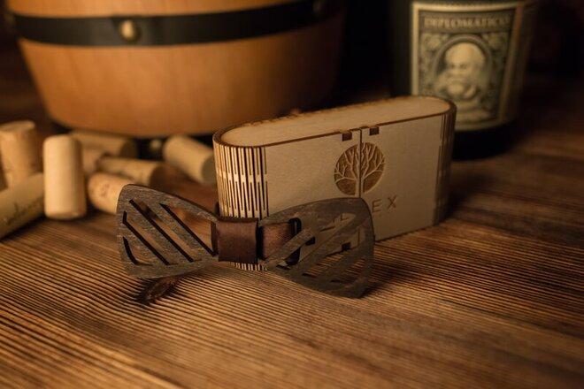 Pánsky drevený motýlik M30