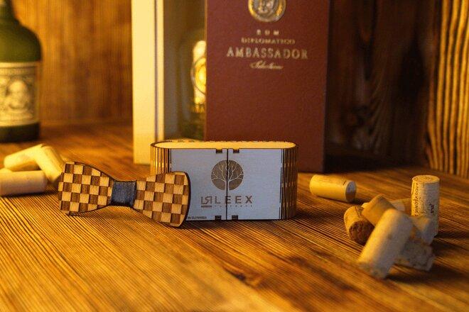 Pánsky drevený motýlik K2