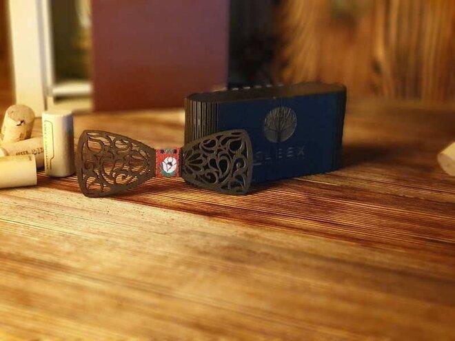 Pánsky drevený motýlik B4