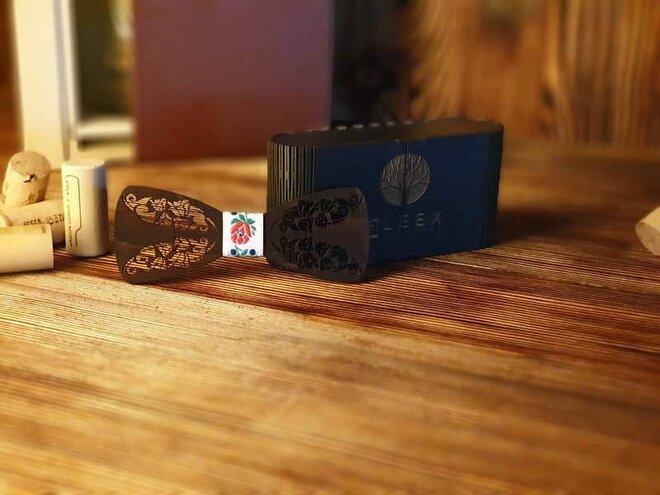 Pánsky drevený motýlik B3