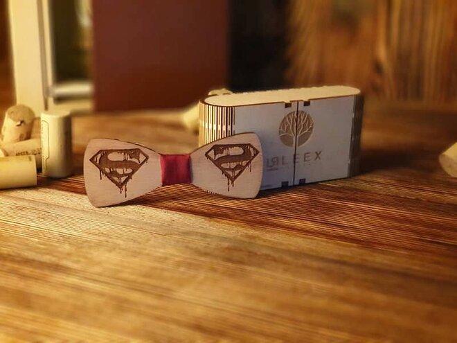 Pánsky drevený motýlik K1