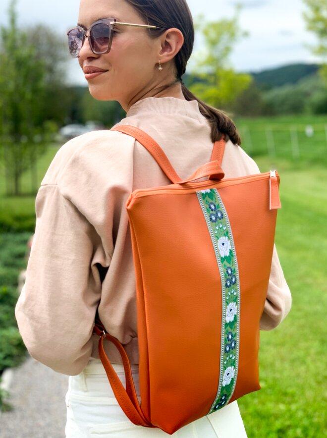 Folklórny batoh slovenského výrobcu LuLo bags