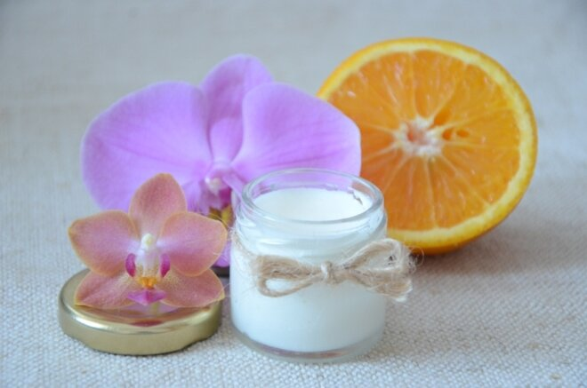 30 ml Prírodná krémová voňavka a dezodorant 2v1 (santal)