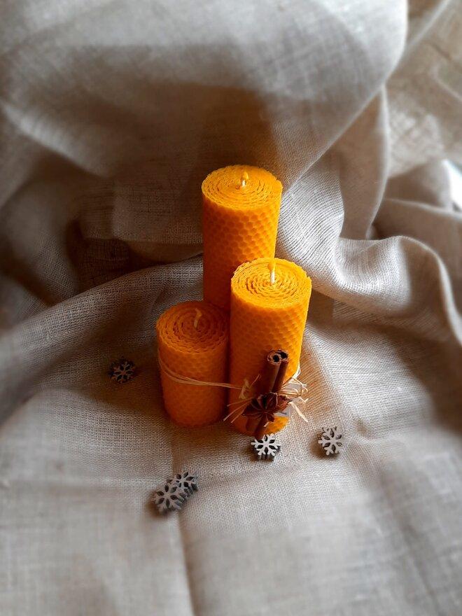 3-dielny Darčekový set točených sviečok slovenskej výroby (mix / 4,5 cm hrúbka)