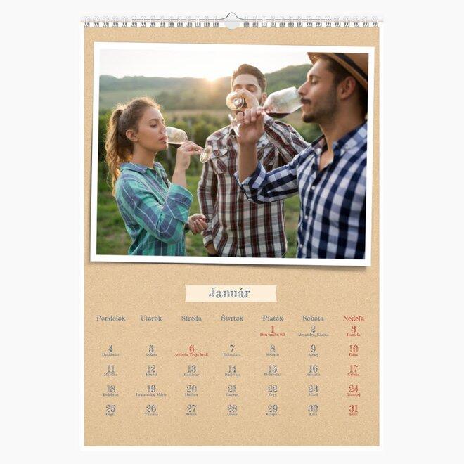 Nástenný mesačný kalendár z vlastných fotografií vo formáte A4 (na výšku)