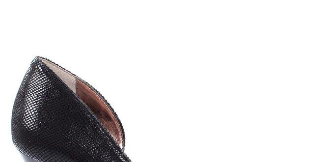 Dámske čierne lodičky s hadím motívom DKNY  3dd8f78e28f