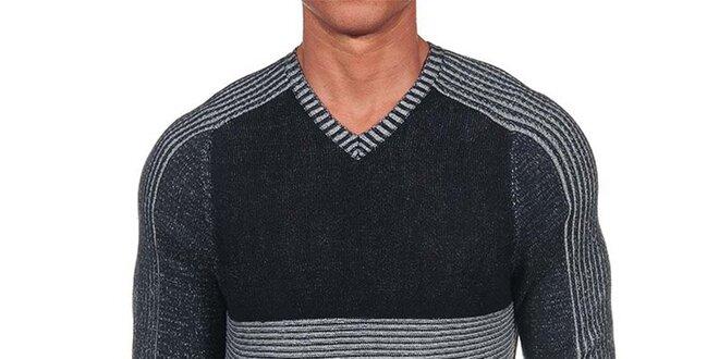 a3a3fa4339 Pánsky čierno-šedý sveter s rebrovaním Calvin Klein