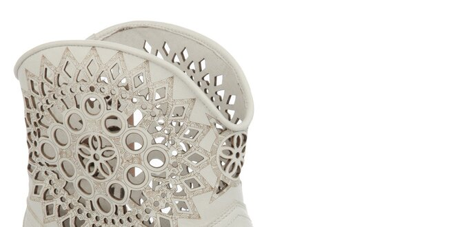 Dámske krémovo biele perforované čižmy Keddo