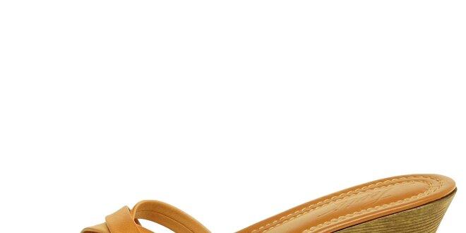 Dámske ťavie kožené šľapky Levis