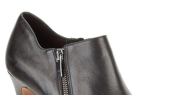 Dámske čierne členkové topánky so zipsom Clarks  9bb72327ba0