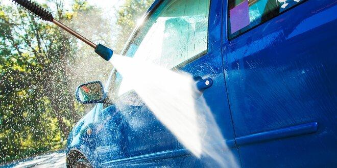 Kompletné ručné umytie auta s tepovaním, voskovaním