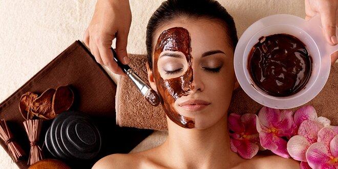 Čokoládové ošetrenie alebo hĺbkové čistenie pleti s masážou a formovaním obočia