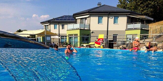 Pobyt s panoramatickým výhľadom pre dve osoby s bazénom, novým wellness centrom…