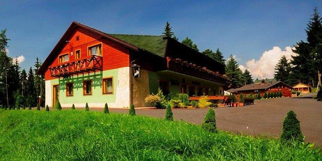 Letný alebo jesenný pobyt v Jasnej v Hoteli Poľovník*** s novým wellness…