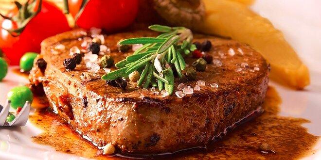 Hovädzí pfeffer steak z pravej sviečkovice a americké zemiaky U Čierneho Baróna