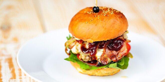 Burger Jack Daniels Royal alebo Fish & Chips v HANGAR Restaurant