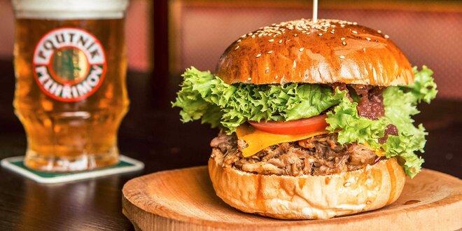 Hamburger s konfitovaným trhaným bravčovým mäsom