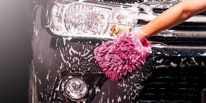 Ručné umývanie exteriéru a čistenie interiéru vášho auta