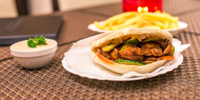 Netradičný jahňací alebo vegánsky burger