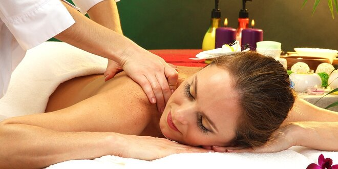 Relaxačná masáž chrbta a šije s pomarančovým olejom, medová detoxikačná masáž…