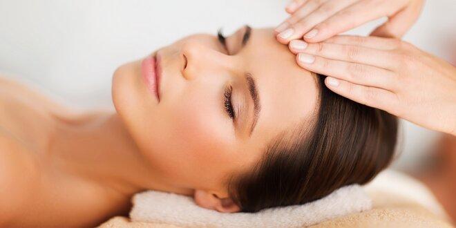 Klasická masáž tváre a dekoltu alebo špeciálna výživná masáž pleti s peelingom…
