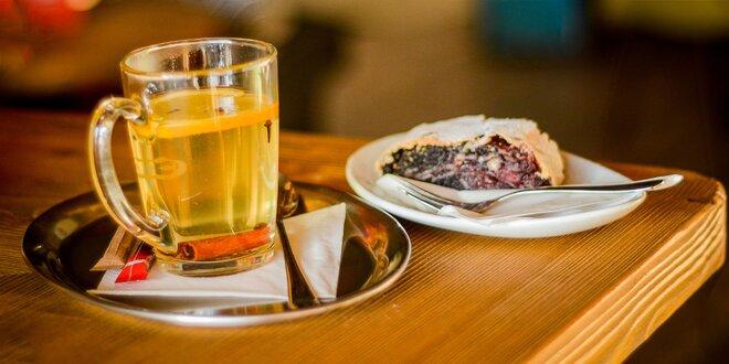 Varené víno a domáca ťahaná štrúdľa Cafe and wine bar KÁVIČKA