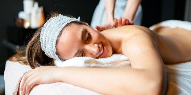 Špeciálne masáže pre zdravý chrbát i chodidlá