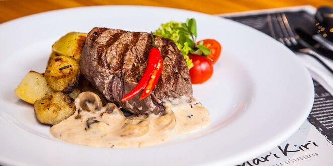 Hovädzí steak s prílohou a omáčkou podľa vášho výberu
