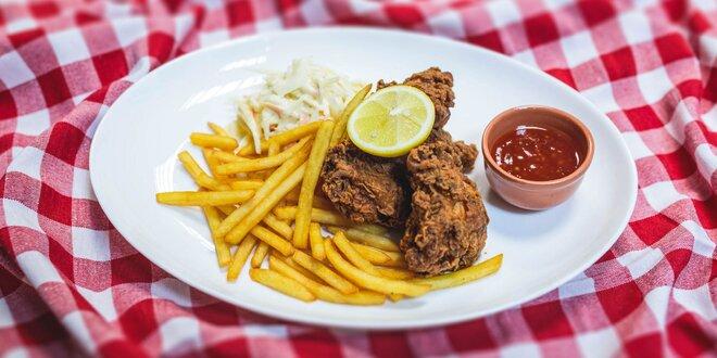 Americké chrumkavé kura s hranolčekmi a šalátom Coleslaw