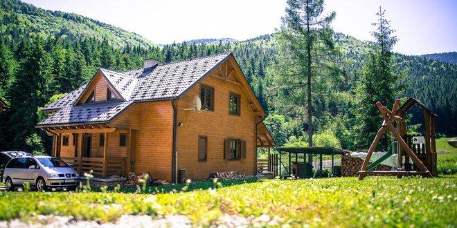 Zážitkové ubytovanie na Liptove - chaty WILI HUNTER v tichej zimnej prírode