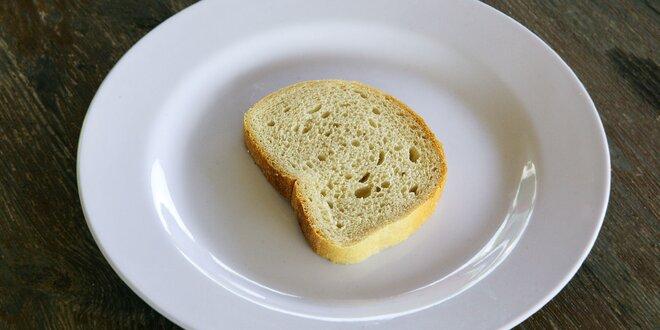Praženica bez vajíčok - len tak, s chlebíkom