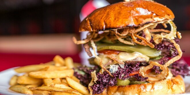 Double Beef burger s hranolčekmi