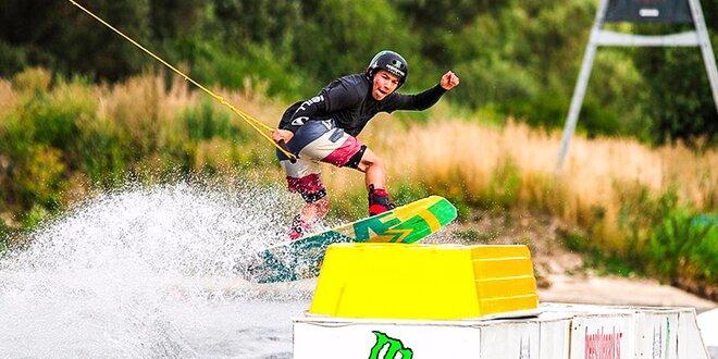 Adrenalínový WAKEBOARDING! Aj so zapožičaním vybavenia