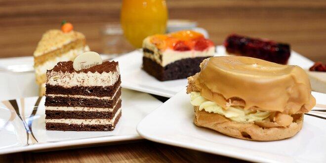Káva alebo fresh s koláčom, či chutné panini