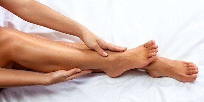 Depilácia voskom vybraných častí tela.