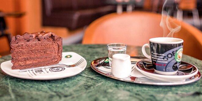 Exkluzívna káva a lahodný dezert pre labužníkov