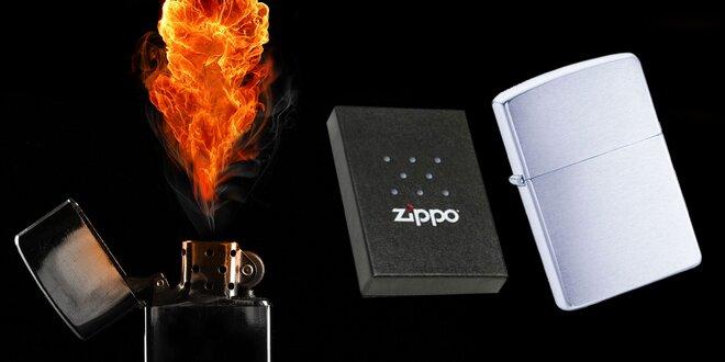 Zippo zapaľovač s gravírovaným textom