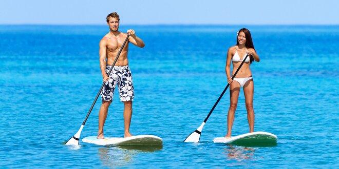 Paddleboard či plavba motorovým člnom na Liptovskej Mare