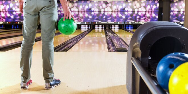 Hodina bowlingu v Admirale