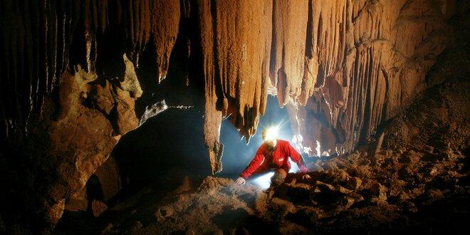 Prechod Malou Stanišovskou jaskyňou so skúsenými jaskyniarmi s kompletnou…